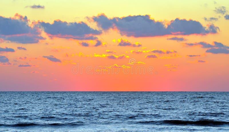 Μετά από το ηλιοβασίλεμα στην παραλία Clearwater στοκ φωτογραφίες με δικαίωμα ελεύθερης χρήσης
