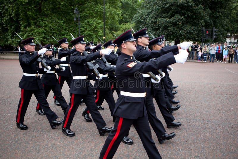 μεταβαλλόμενη φρουρά στοκ εικόνες