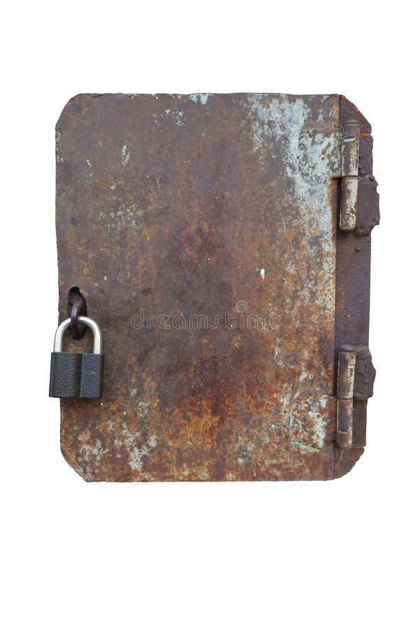 Μεταβλητή μικρή σκουριασμένη παλαιά πόρτα με ένα νέο λουκέτο στοκ φωτογραφίες με δικαίωμα ελεύθερης χρήσης