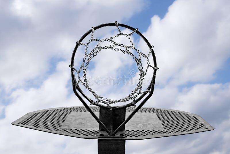 Μεταλλική στεφάνη καλαθοσφαίρισης στοκ εικόνα
