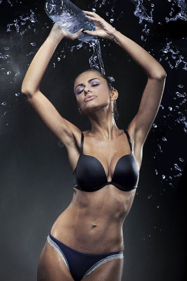 μεταλλικό νερό μπουκαλι στοκ φωτογραφία με δικαίωμα ελεύθερης χρήσης