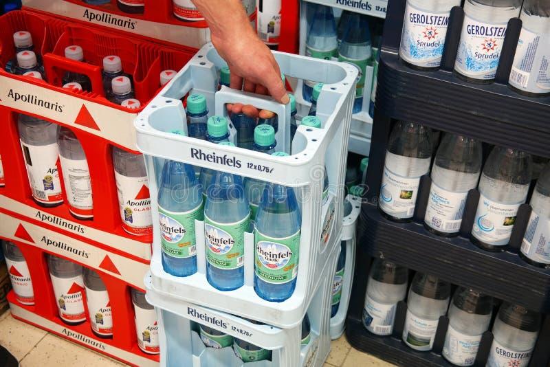 Μεταλλικό νερό σε ένα κατάστημα στοκ φωτογραφία με δικαίωμα ελεύθερης χρήσης