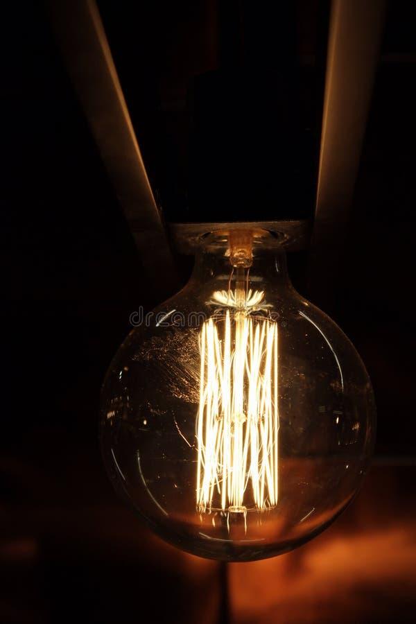 Μεταστρεφόμενος ηλεκτρικός βολβός slass στοκ φωτογραφία με δικαίωμα ελεύθερης χρήσης