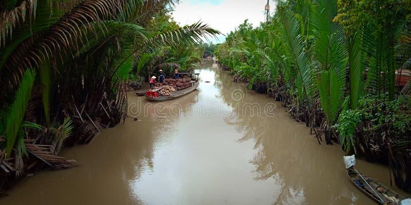 Μεταφορά στον ποταμό στοκ εικόνα με δικαίωμα ελεύθερης χρήσης