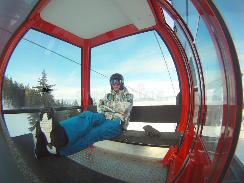Μεταφορά χειμερινού αθλητισμού - τελεφερίκ στοκ φωτογραφία με δικαίωμα ελεύθερης χρήσης