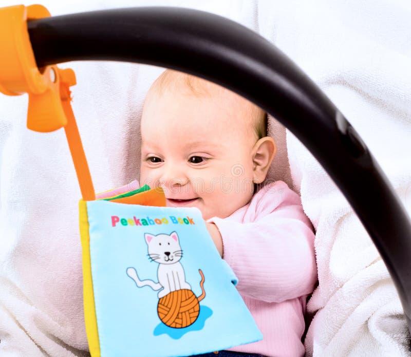 μεταφορέας μωρών στοκ φωτογραφία με δικαίωμα ελεύθερης χρήσης