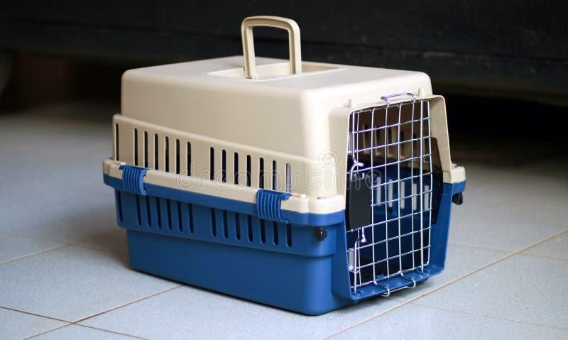 Μεταφορέας της Pet στοκ εικόνα με δικαίωμα ελεύθερης χρήσης