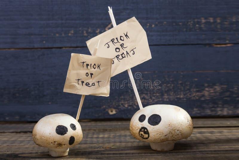 Μεταχειριστείτε ή εξαπατήστε champignons φαντασμάτων στοκ εικόνα