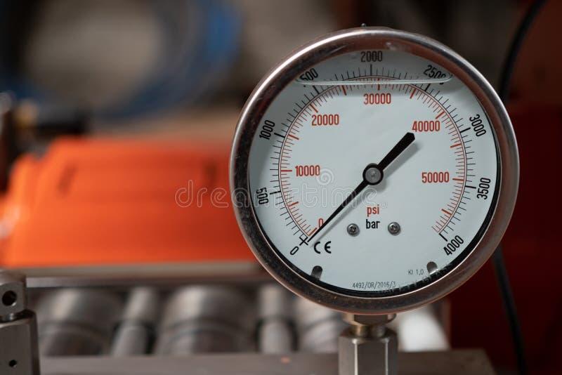 Μετρητής πίεσης της μηχανής υψηλού Waher στοκ εικόνες