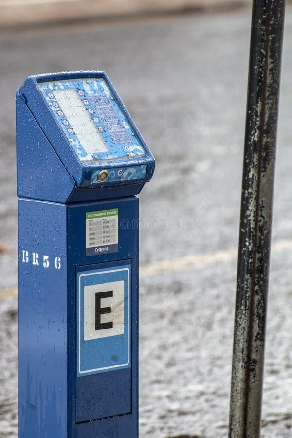 μετρητής στάθμευσης για περιστρεφόμενη στάθμευση σε δρόμο στο κέντρο του Cascavel, στοκ εικόνα με δικαίωμα ελεύθερης χρήσης