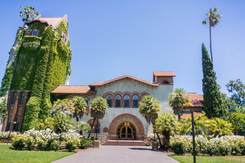 Μετωπική άποψη του παλαιού κτηρίου στο κρατικό πανεπιστήμιο του San Jose  San Jose, Καλιφόρνια στοκ εικόνες