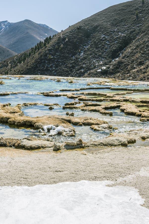 Με αποθέματα ασβεστίου μαύρισμα λίμνη Quanhua στοκ φωτογραφία με δικαίωμα ελεύθερης χρήσης