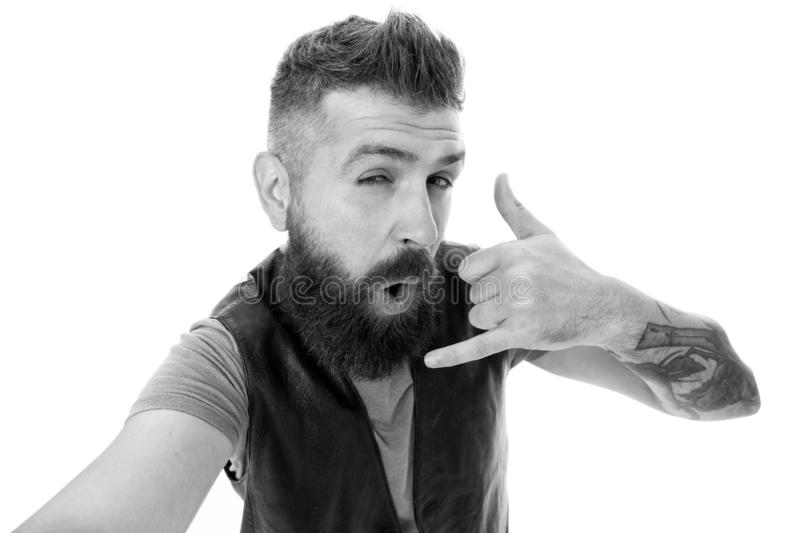 Με καλέστε αργότερα Hipster με τη μακροχρόνια συνομιλία συμβόλων γενειάδων Κινητή κλήση Κινητή επικοινωνία Γενειοφόρο hipster τύπ στοκ εικόνα