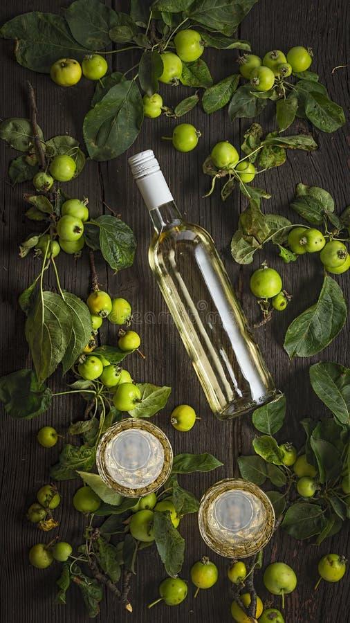 Μηλίτης πάγου, περίεργο μήλο, sangria, strongbow, λαμπιρίζοντας κρασί, winer, λαμπιρίζοντας μήλο, μη οινοπνευματώδες, μη οινοπνευ στοκ φωτογραφίες
