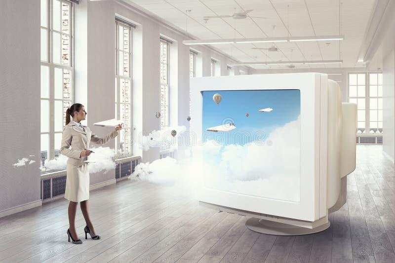 μηνύτορας υπολογιστών πα Μικτά μέσα στοκ εικόνες