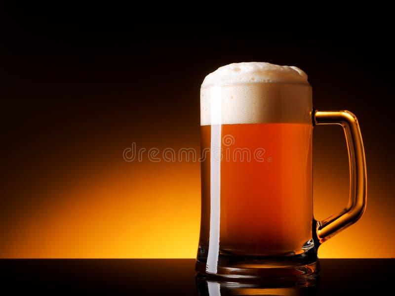 Μην φιλτραρισμένη αγγλική μπύρα στοκ φωτογραφία με δικαίωμα ελεύθερης χρήσης