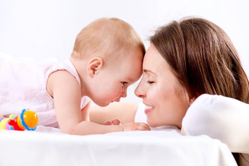Μητέρα και μωρό στοκ φωτογραφίες