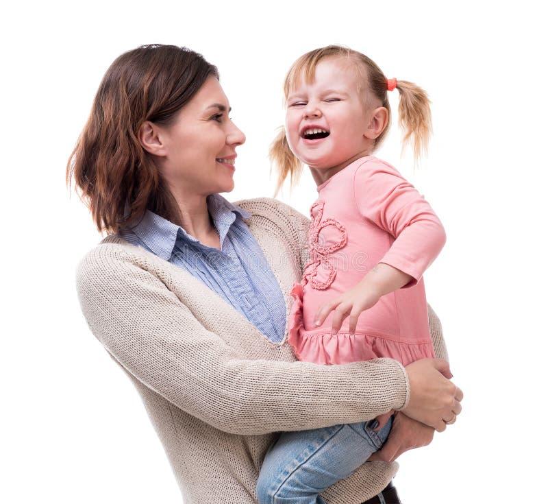 Μητέρα με λίγη κόρη στο αγκάλιασμα όπλων της στοκ εικόνα με δικαίωμα ελεύθερης χρήσης