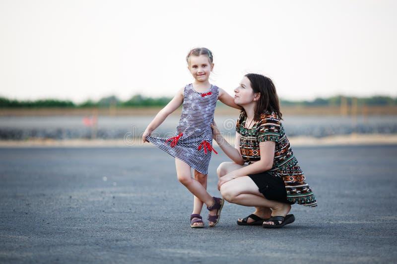 Μητέρα με την κόρη στοκ φωτογραφία