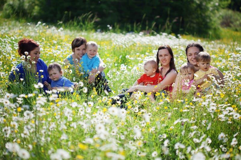 μητέρες παιδιών στοκ εικόνες