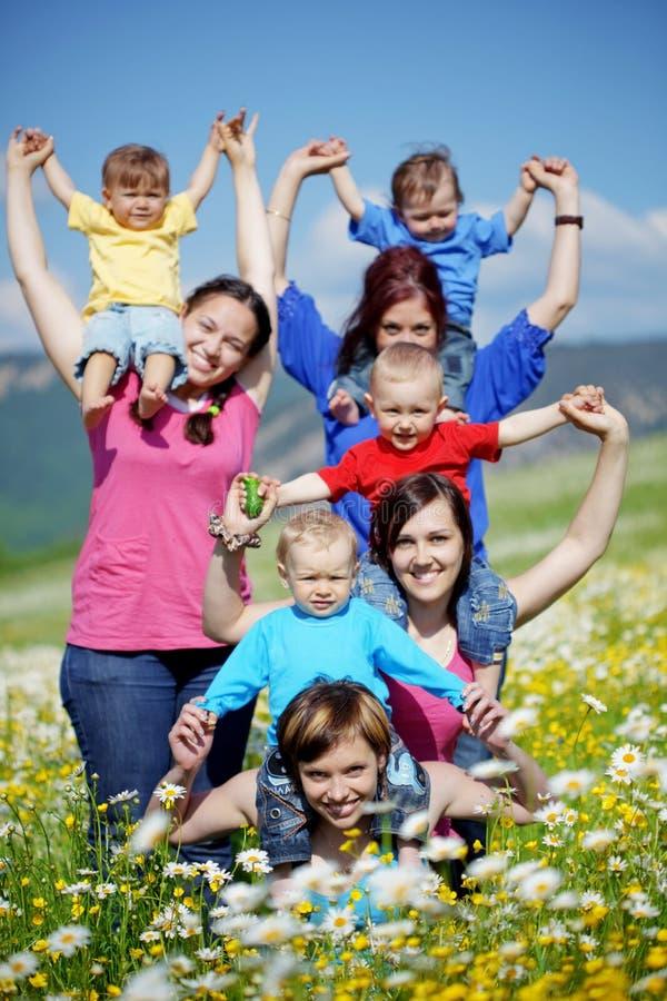 μητέρες παιδιών στοκ φωτογραφίες με δικαίωμα ελεύθερης χρήσης