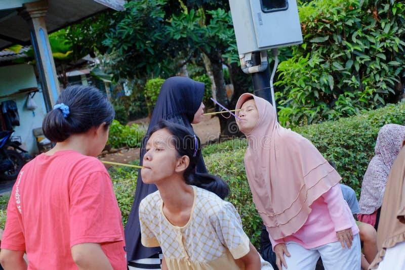 Μητέρες που αγωνίζονται για να γιορτάσουν την ημέρα της ανεξαρτησίας στοκ φωτογραφία με δικαίωμα ελεύθερης χρήσης