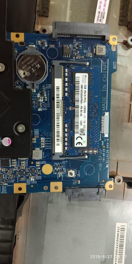 Μητρική κάρτα lap-top με τη βελτίωση κριού στην ανώτατη έπειτα ΕΕ 8gb στοκ εικόνες