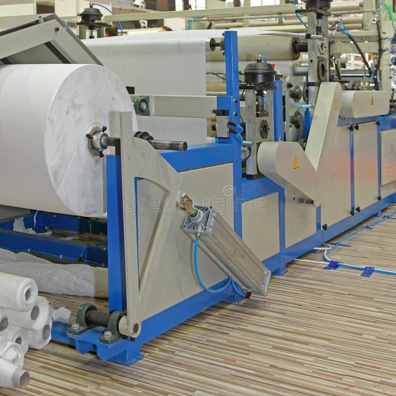 Μηχανήματα μετατροπής χαρτιού στοκ εικόνες
