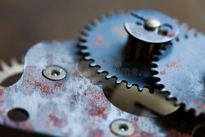 Μηχανήματα ροδών βαραίνω, σκουριασμένος μηχανισμός σιδήρου Μαύρη φωτογραφία κινηματογραφήσεων σε πρώτο πλάνο εργαλείων μετάλλων Ρ στοκ εικόνες