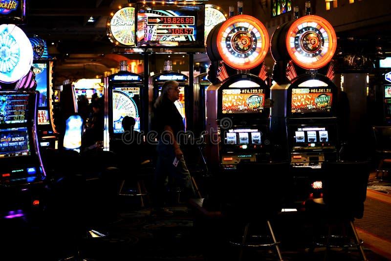 Μηχανήματα τυχερών παιχνιδιών με κέρματα στη χαρτοπαικτική λέσχη Excalibur στοκ φωτογραφίες με δικαίωμα ελεύθερης χρήσης