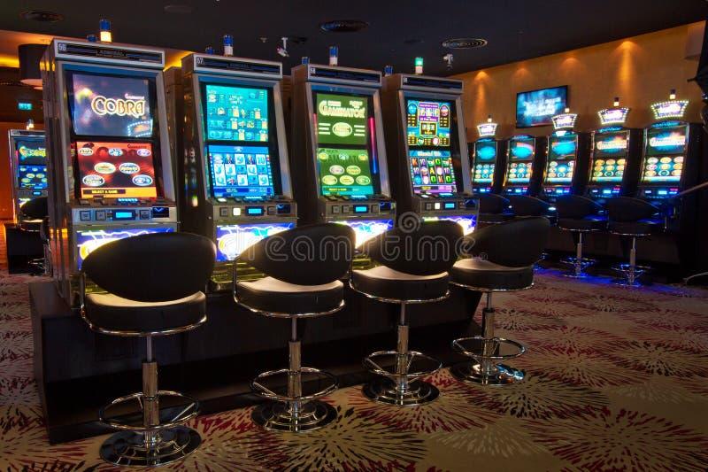 Μηχανήματα τυχερών παιχνιδιών με κέρματα στοκ εικόνες