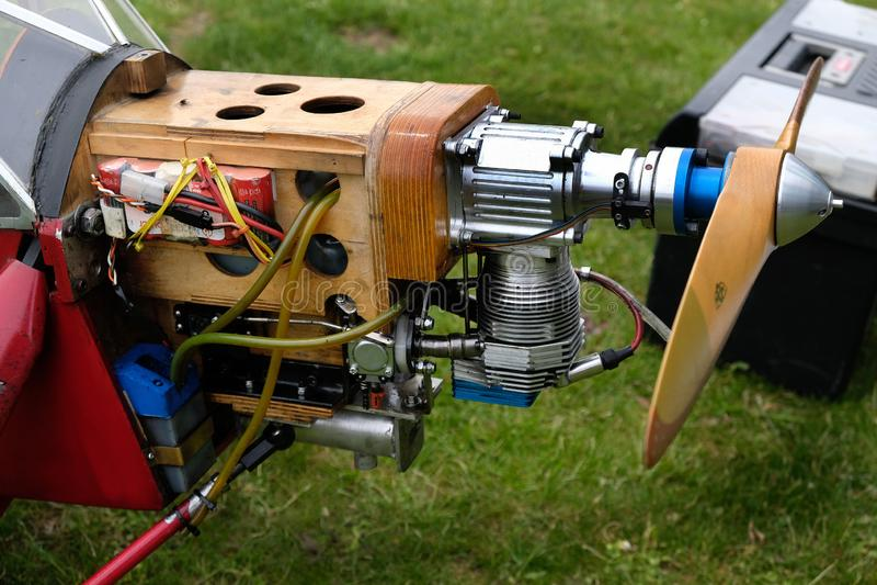 Μηχανή βενζίνης στα πρότυπα αεροσκάφη κλίμακας στοκ εικόνες
