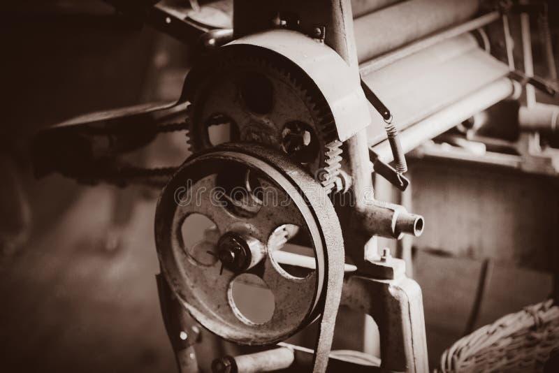 Μηχανή για την παραγωγή παραδοσιακό ολλανδικό clog στοκ εικόνα