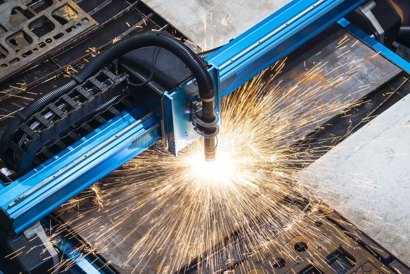Μηχανή για τη σταθερή κοπή λέιζερ μετάλλων στοκ εικόνες