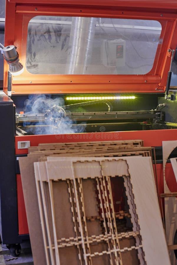 Μηχανή και πρότυπα λέιζερ στοκ εικόνα με δικαίωμα ελεύθερης χρήσης