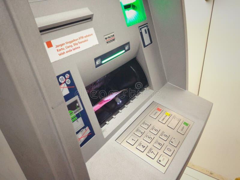 Μηχανή κατάθεσης μετρητών στοκ φωτογραφίες