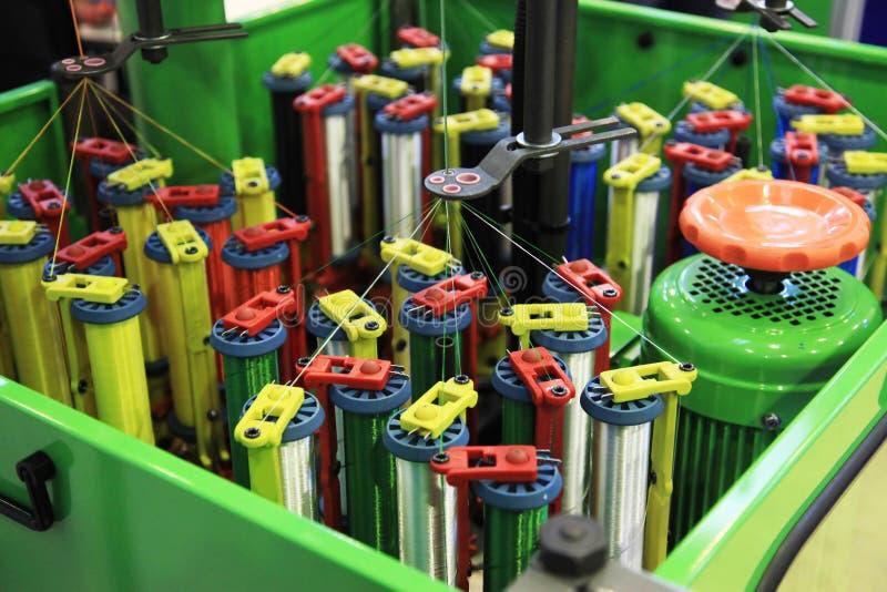 Μηχανή πλεξίματος σχοινιών στοκ φωτογραφίες