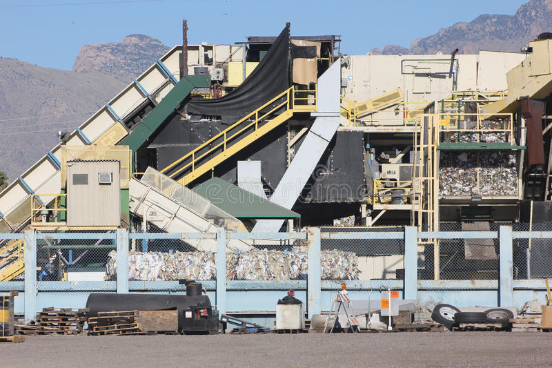 Download Μηχανή Recyclying στην έρημο Στοκ Εικόνες - εικόνα από save, περιβάλλον: 62711560