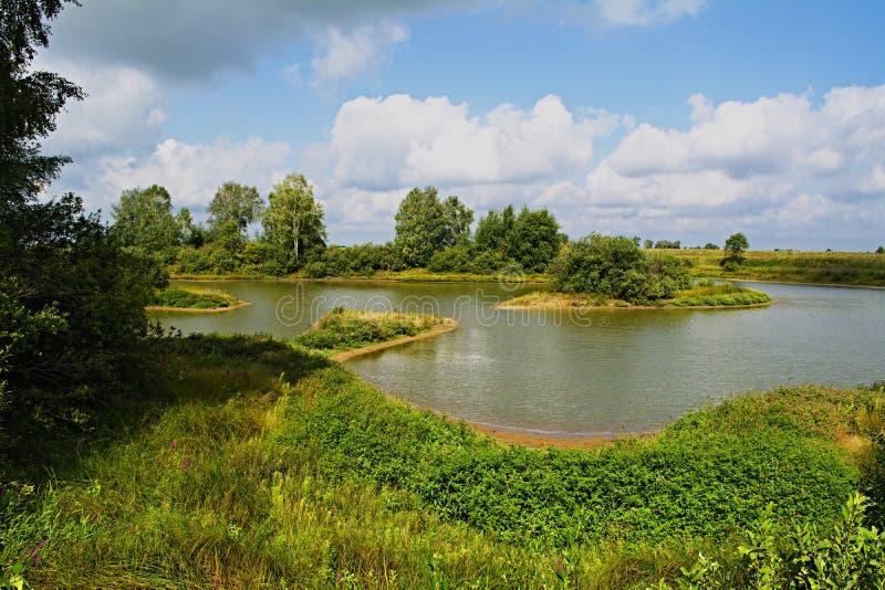 Μια άποψη από τη νότια ακτή της λίμνης στοκ εικόνα με δικαίωμα ελεύθερης χρήσης