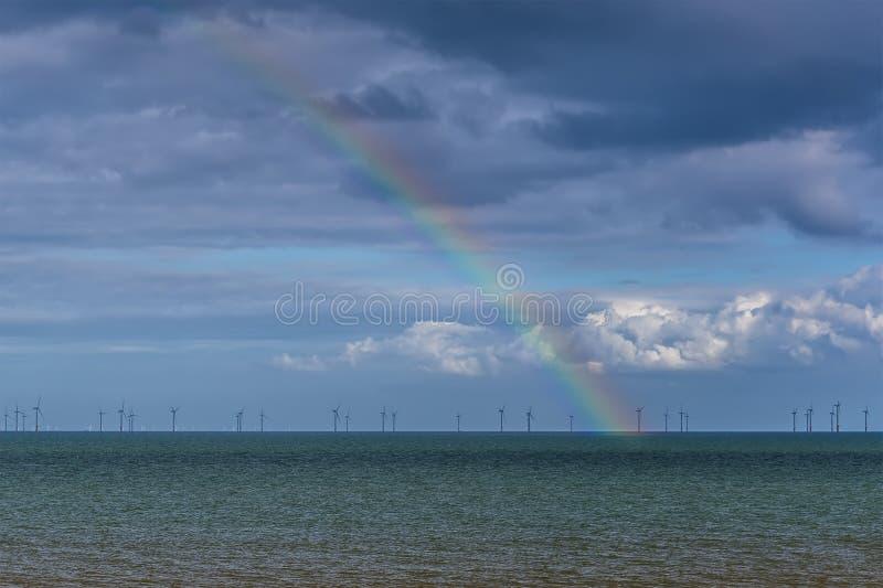 Μια άποψη ενός ουράνιου τόξου έξω στη θάλασσα από την παραλία Skegness, UK στοκ φωτογραφία με δικαίωμα ελεύθερης χρήσης
