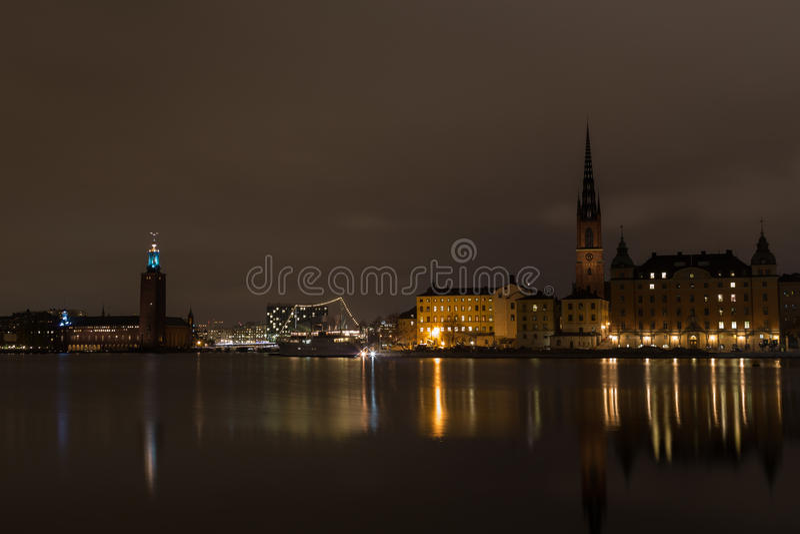 Μια άποψη της αίθουσας πόλεων νύχτας στη Στοκχόλμη Σουηδία 05 11 2015 στοκ εικόνες