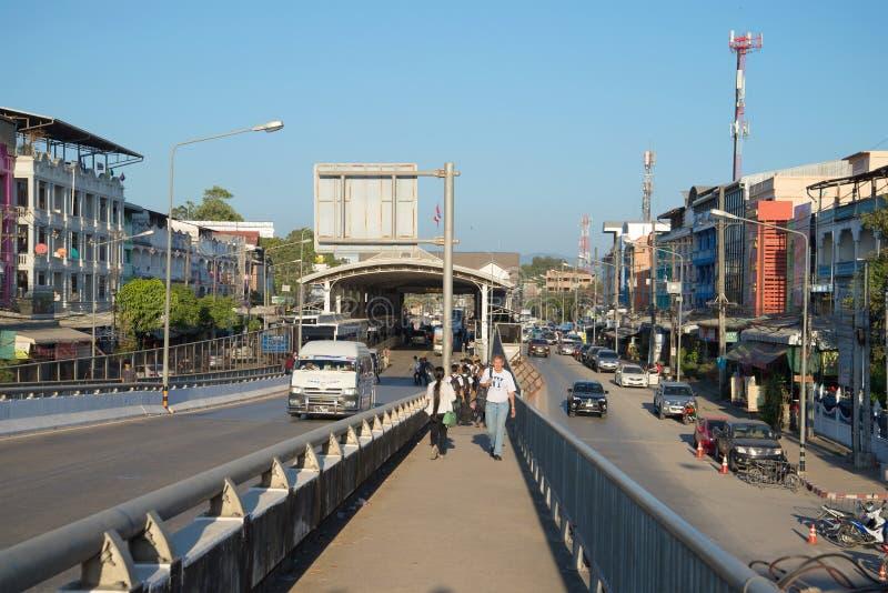 Μια άποψη της μετάβασης ορίου στην πόλη του μέθυσου της Mae στα ταϊλανδικός-βιρμανός σύνορα στοκ φωτογραφίες με δικαίωμα ελεύθερης χρήσης
