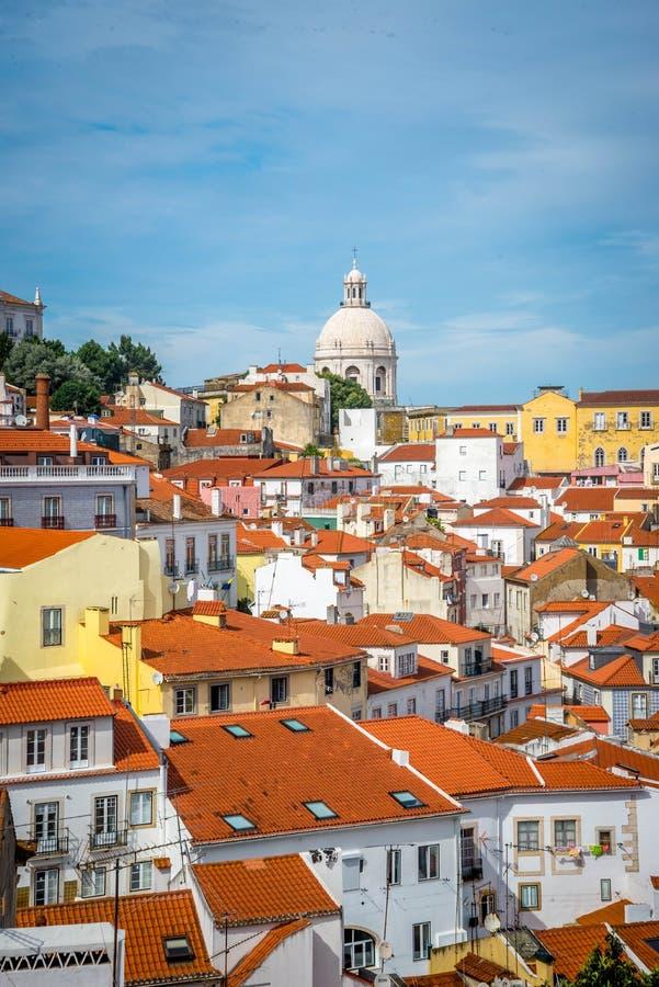 Μια άποψη Alfama στη Λισσαβώνα στοκ εικόνες