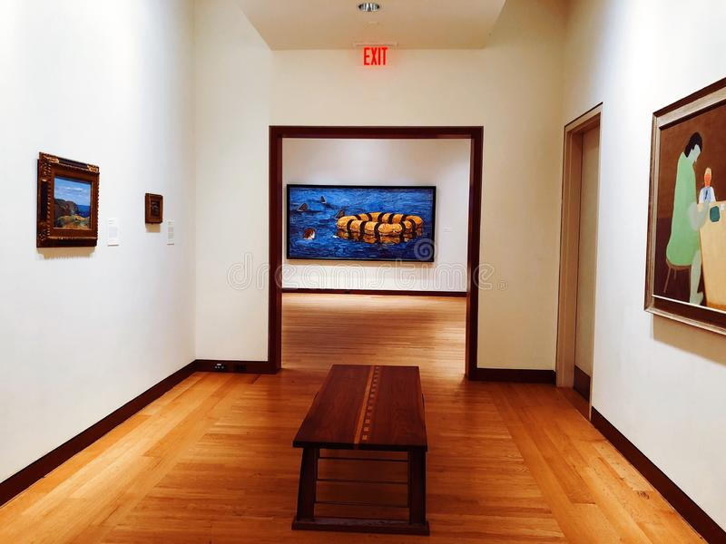 Μια έκθεση τέχνης μέσα στο μουσείο της Νέας Βρετανίας της αμερικανικής τέχνης στοκ φωτογραφία με δικαίωμα ελεύθερης χρήσης