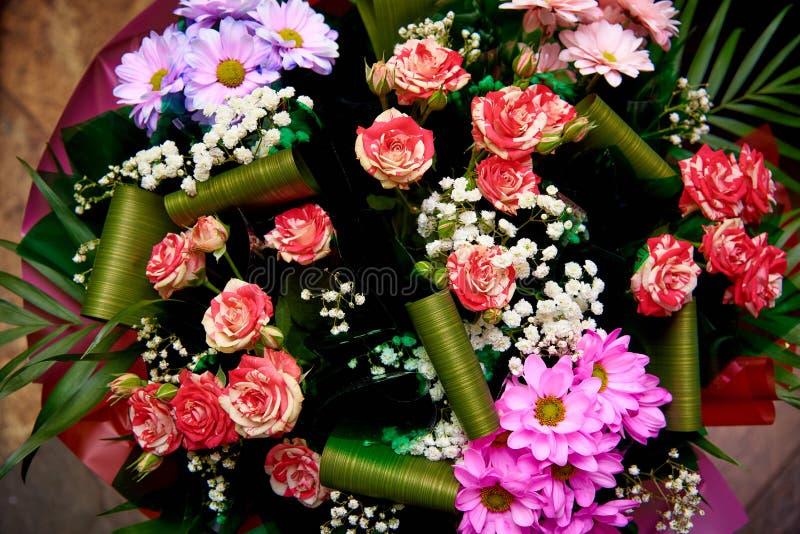 Μια ανθοδέσμη των διάφορων λουλουδιών στοκ φωτογραφίες με δικαίωμα ελεύθερης χρήσης