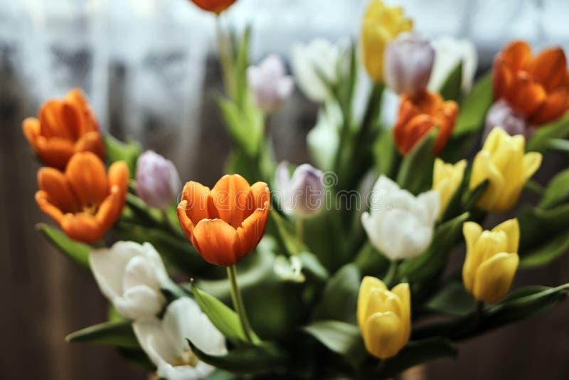 Μια ανθοδέσμη των όμορφων ζωηρόχρωμων λουλουδιών στοκ φωτογραφία με δικαίωμα ελεύθερης χρήσης
