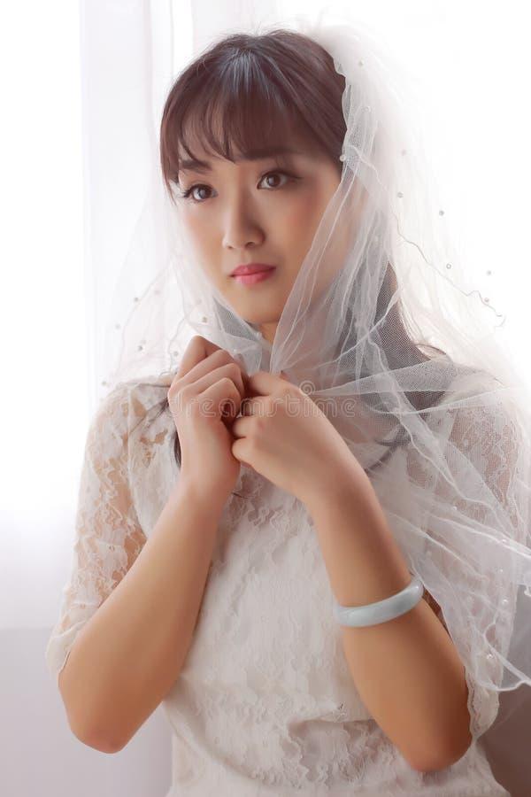 Μια ασιατική ομορφιά με headband στοκ εικόνες με δικαίωμα ελεύθερης χρήσης