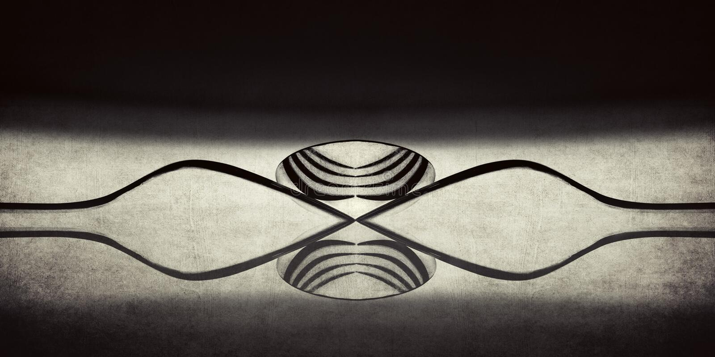 Μια αφηρημένη Monotone εικόνα που χρησιμοποιεί τα δίκρανα και τα κουτάλια στοκ εικόνες με δικαίωμα ελεύθερης χρήσης