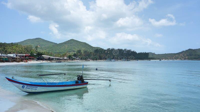 Μια βάρκα στην παραλία στοκ εικόνα