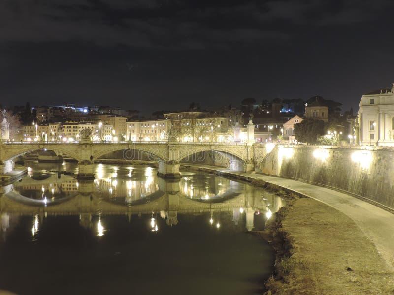 Μια γέφυρα στοκ εικόνες με δικαίωμα ελεύθερης χρήσης